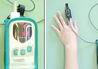 パルスオキシメーターはいわゆる『生体モニター』の一種です